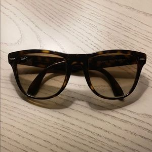 Folding Wayfarer Ray Bans
